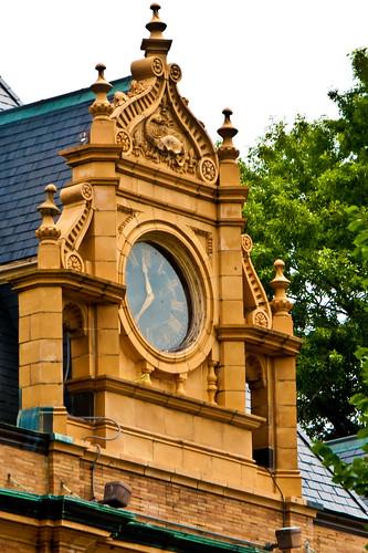 Museum Clock by Macedo295 via I {heart} Rhody