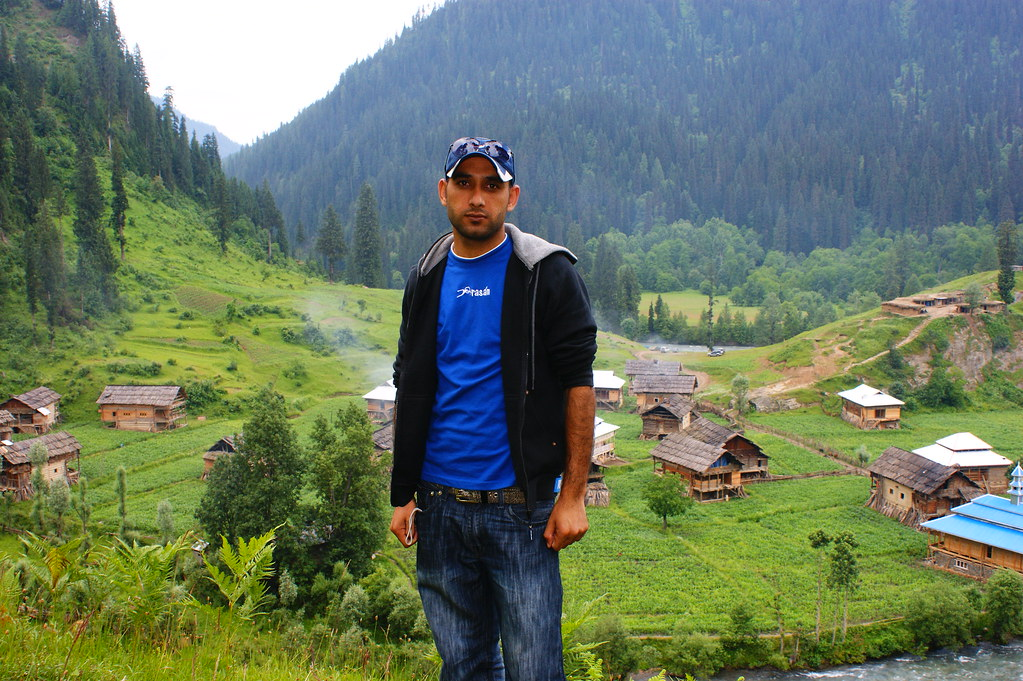 """MJC Summer 2012 Excursion to Neelum Valley with the great """"LIBRA"""" and Co - 7596351498 01582289ba b"""