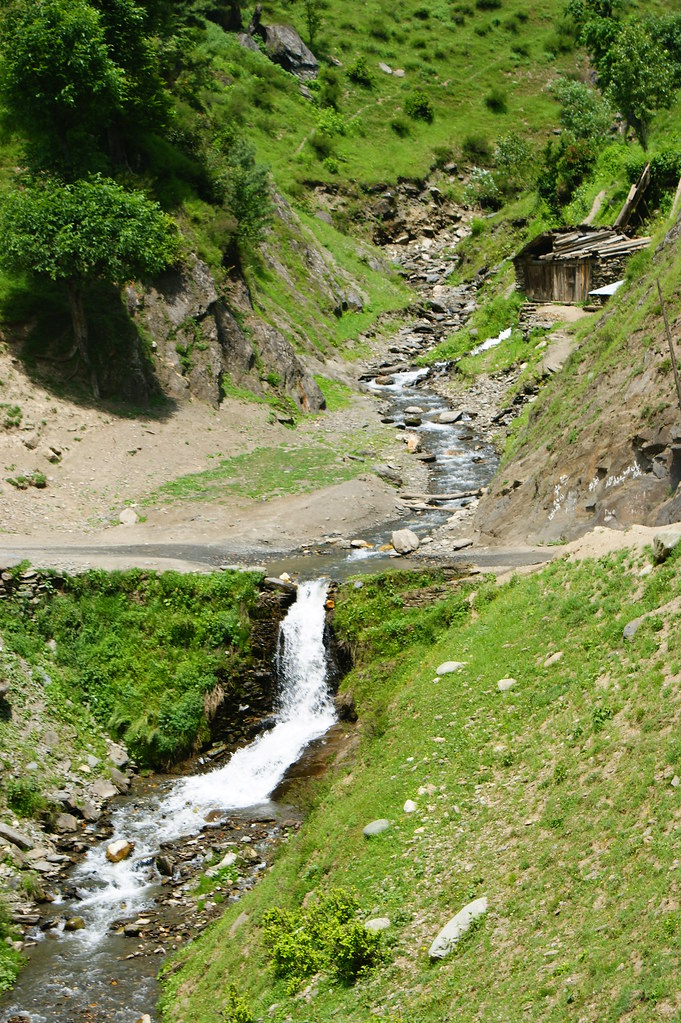 """MJC Summer 2012 Excursion to Neelum Valley with the great """"LIBRA"""" and Co - 7608890634 e9b37db848 b"""