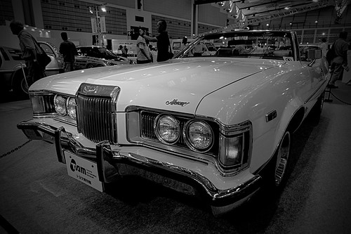 Mercury_Cougar_XR-7_02