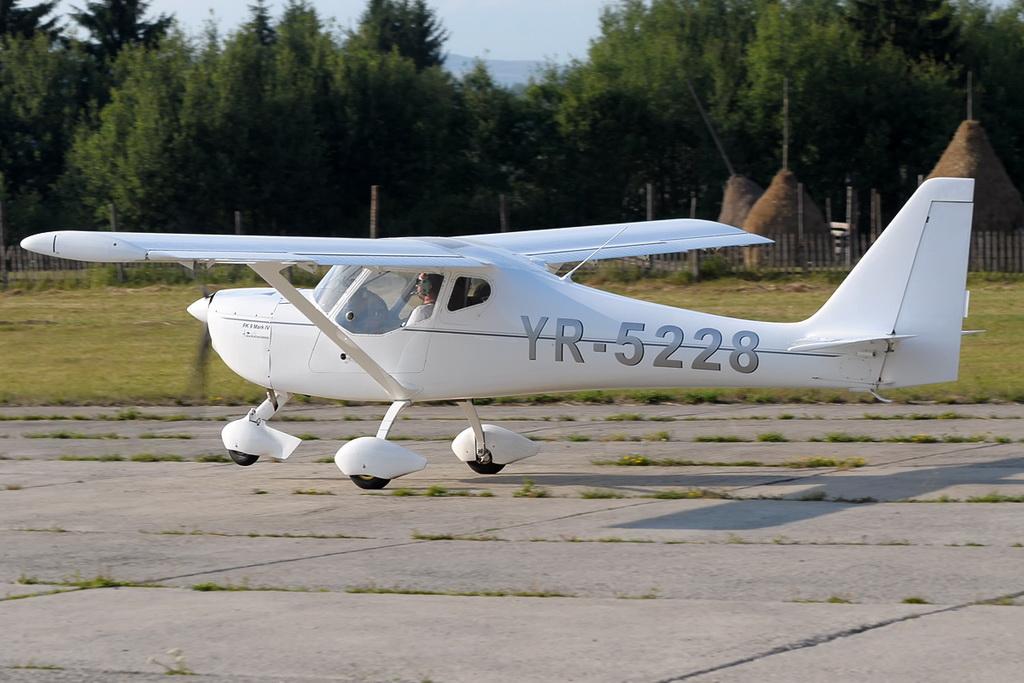Fly-in @ Floreni - Mitingul cailor putere - Poze 7678823588_57bd77dde8_o