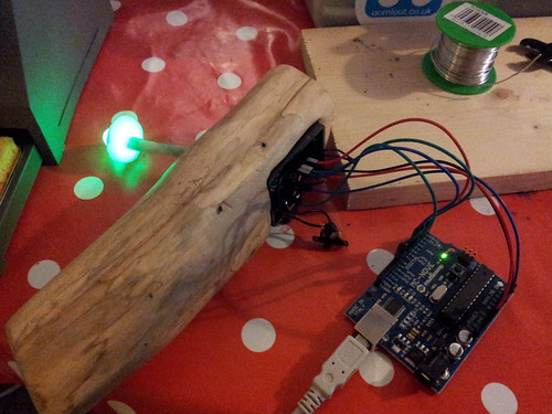 Nightlight working when wired to regular Arduino