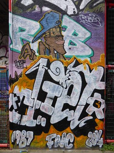Diet graffiti, Trellick Tower