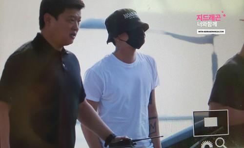 BIGBANG Departure Seoul Incheon to Foshan 2016-06-10 (38)