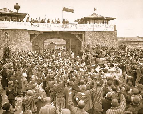 """Liberación del campo de concentración de Mauthausen, un 5 de mayo de 1945. ¡Memoria y diginidad"""""""
