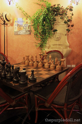 Cafe Publico Chess