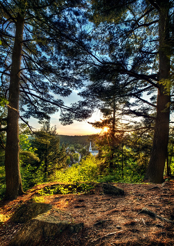 tree trees detail view landscape wide angle nature forest hdr canon eos 5d mark iii 3 mk mk3 test sunset sun set setting mountain stowe vermont usa wood woods peace peaceful quiet town small vantage perspective point rock rocks ray rays