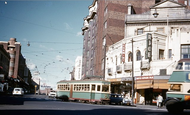 Old Sydney R1 type tram No.1954 turns thru Kings Cross from Bayswater Road. Taken on Kodachrome on 21 Mar 1960.