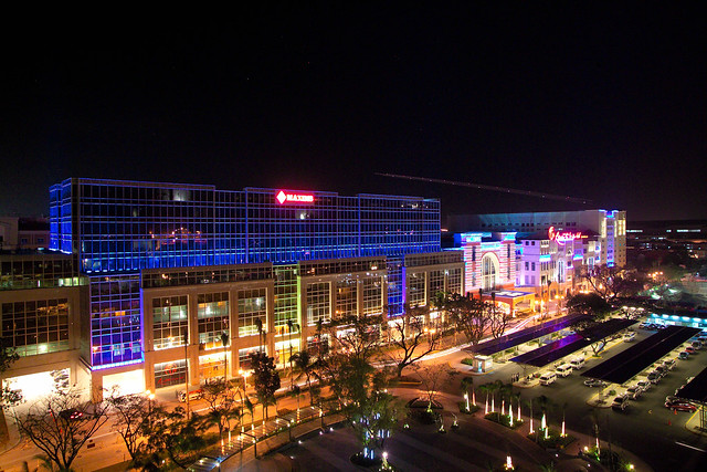 Resorts World Manila at night