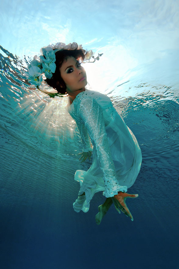 Underwater Fashion Photo Underwater Bride Fashion