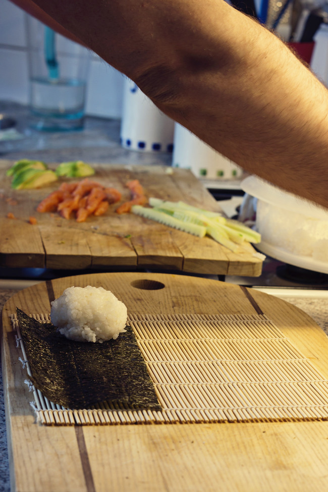 primero una bola sushi