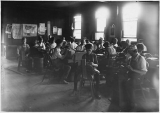 Cigar factory. Boys in foreground. Indianapolis, Ind, August 1908