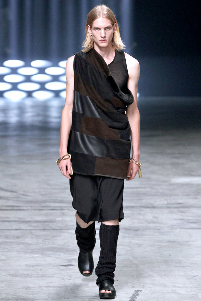 Paul Boche3400_SS13 Paris Rick Owens(VOGUE)
