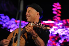 Dhafer Youssef @Domaine de Fontblanche By McYavell - 120707 (51)