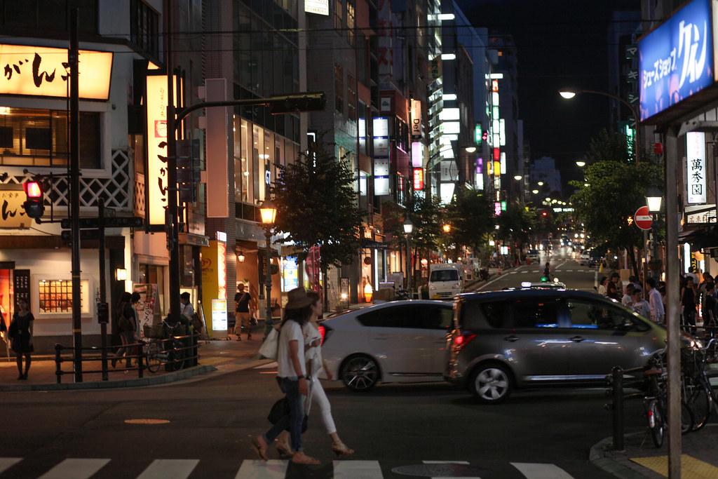 Asahidori 1 Chome, Kobe-shi, Chuo-ku, Hyogo Prefecture, Japan, 0.01 sec (1/100), f/2.8, 85 mm, EF85mm f/1.8 USM