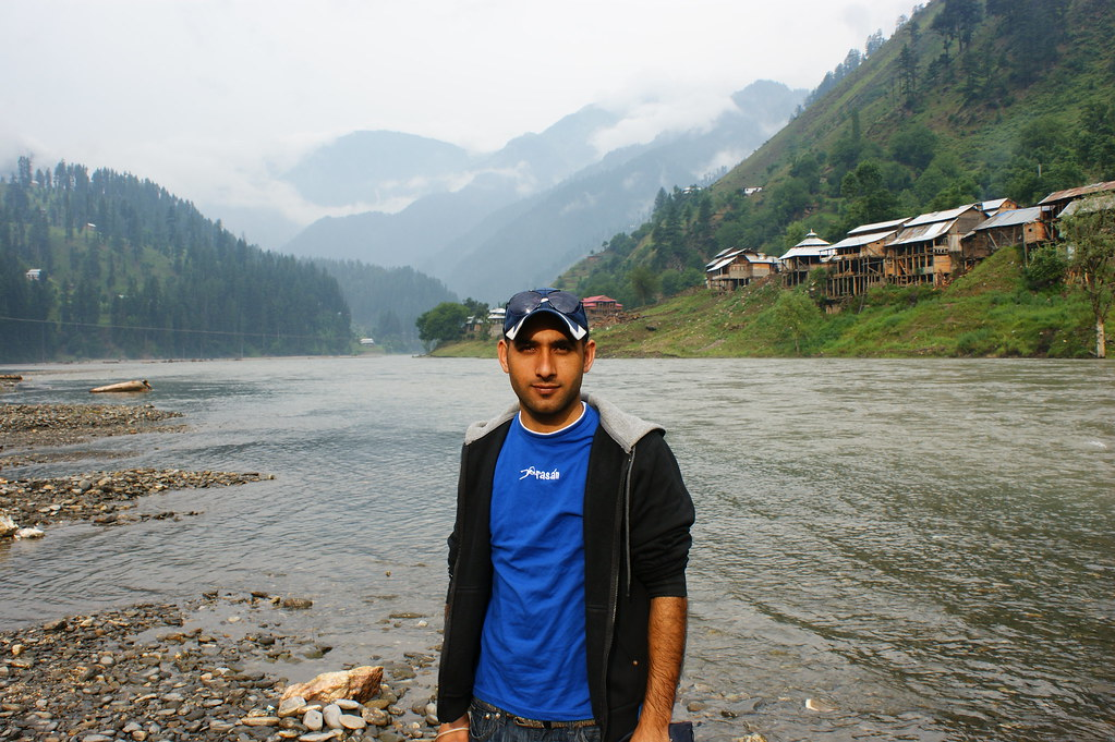 "MJC Summer 2012 Excursion to Neelum Valley with the great ""LIBRA"" and Co - 7589015210 47653f1236 b"