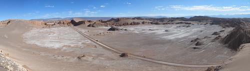 Le désert d'Atacama: paysage lunaire vu depuis le sommet de la Duna Moyr (Valle de la Luna)