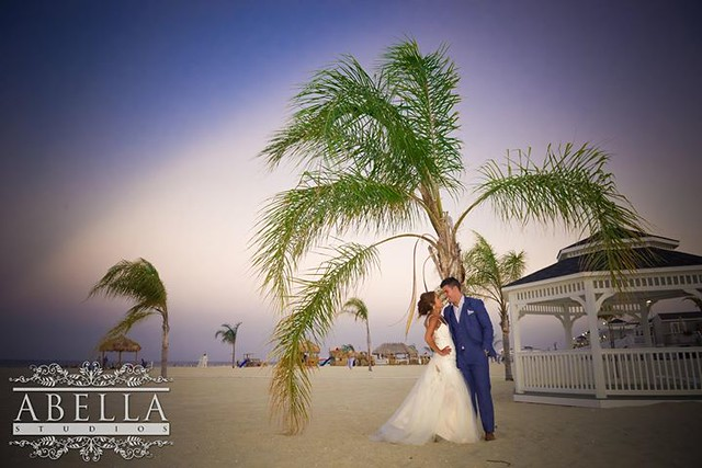#NJwedding for Andrea & Nick, whose Wedding was held at Windows on the Water at Surfrider Beach Club, Sea Bright, NJ Like what you see? We'd love to show you more... Follow link to set up a Studio Visit - ow.ly/4mYb1A Or call us today - 973.575.6633 These