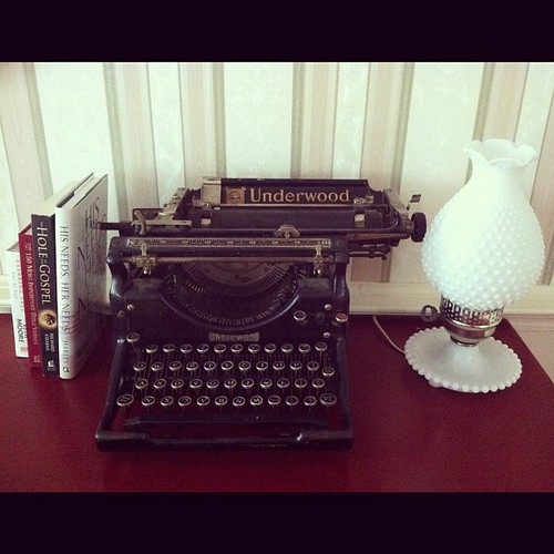Last weeks yard sale treasures. Vintage typewriter and milk glass lamp. My kids are enamored by the  typewriter. #antiquejunkie