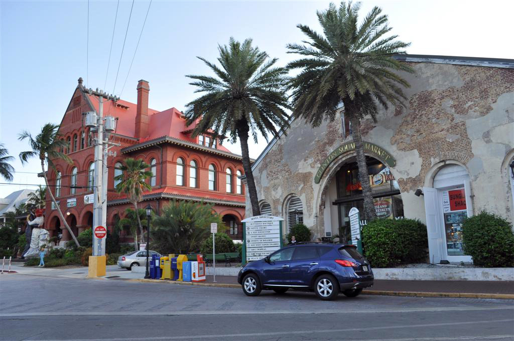 El Clinton Square Garden y los edificios colindantes forman el Downtown de Key West florida keys, carretera al paraíso (mejor con un mustang) - 7214496546 d8c7ef0de5 o - Florida Keys, carretera al paraíso (mejor con un Mustang)