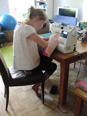 My daughter sewing her first sewing mashine project