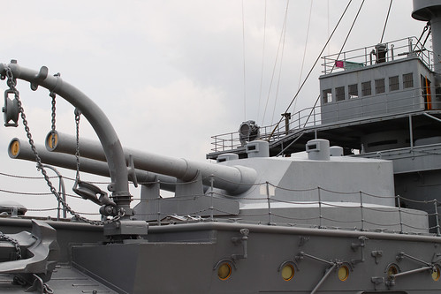 The front of the main gun battleship Mikasa by leicadaisuki