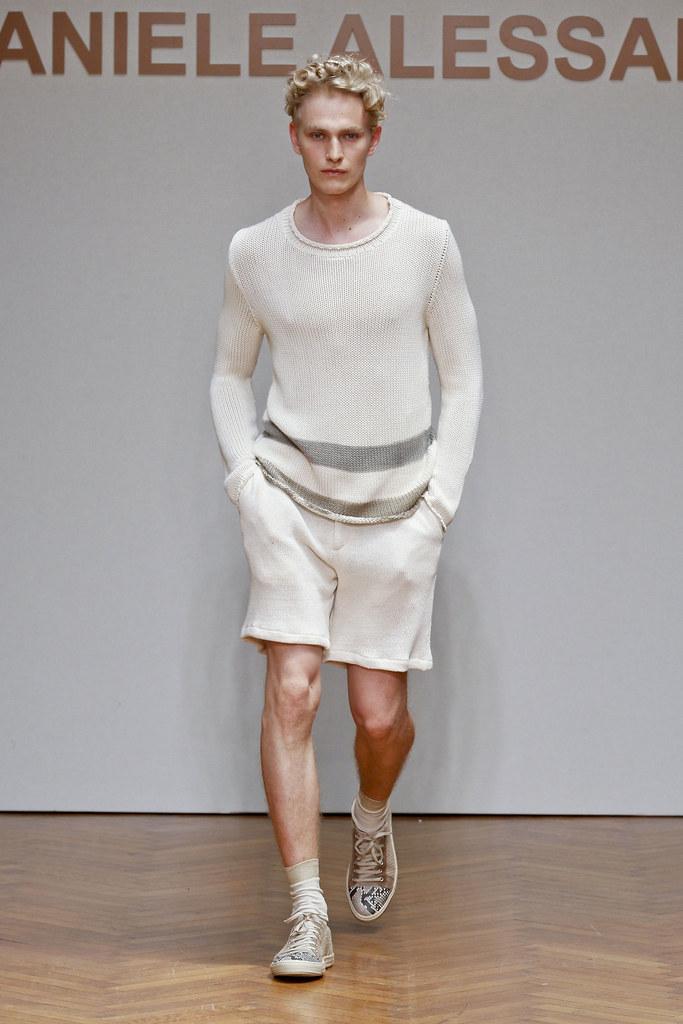 SS13 Milan Daniele Alessandrini011_Gerhard Freidl(fashionising.com)
