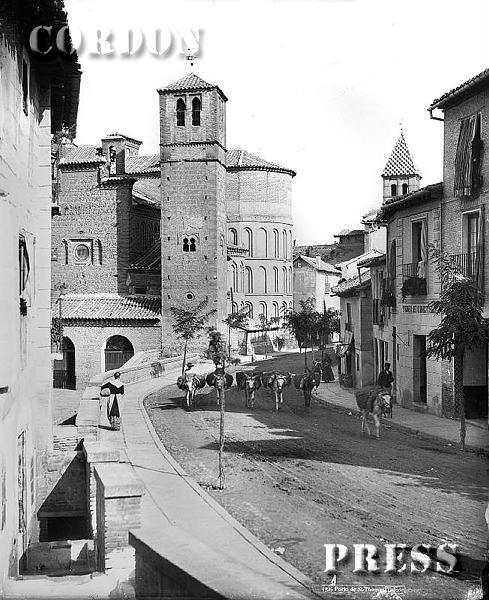 Iglesia de Santiago del Arrabal en Toledo hacia 1875-80. © Léon et Lévy / Cordon Press - Roger-Viollet