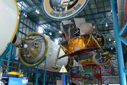 Mondlandefähre & Triebwerk der 1. Stufe der Saturn V