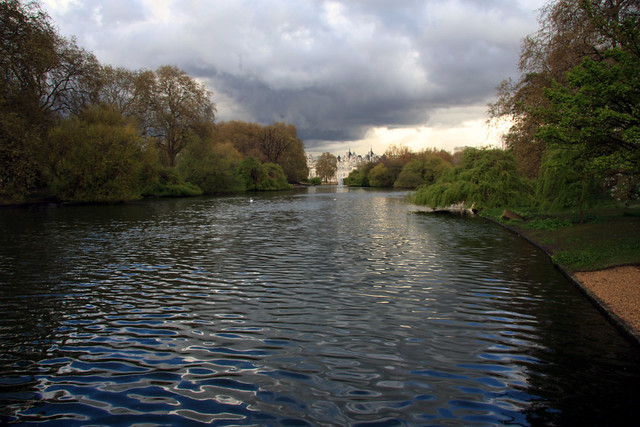 Walk Through St James Park
