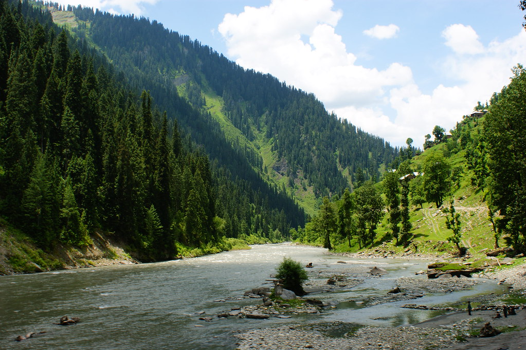 "MJC Summer 2012 Excursion to Neelum Valley with the great ""LIBRA"" and Co - 7608944588 a6d0c0d057 b"