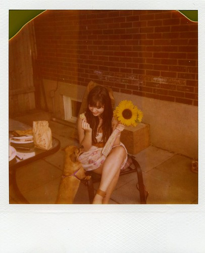 polaroid - Astrid & sunflowers