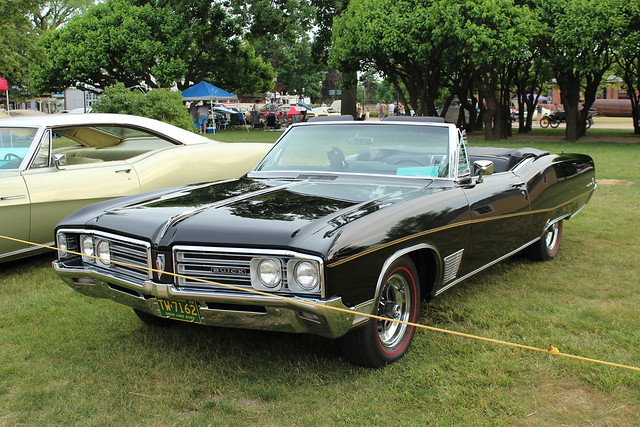 1968 buick wildcat convertible flickr photo sharing. Black Bedroom Furniture Sets. Home Design Ideas