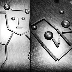 Oeuvres from le jeu Kiproko. A gauche, un nounours (rappeur selon certains). A droite, un miroir (magnifique).