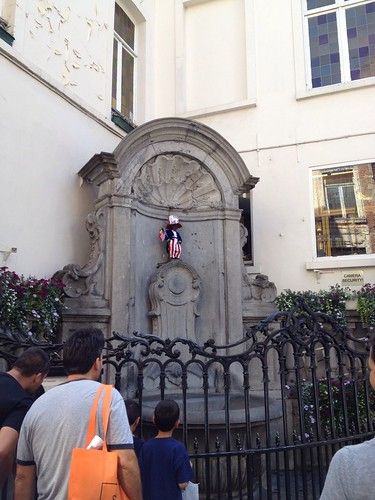Mannequin Pis - Dressed up for the 4th