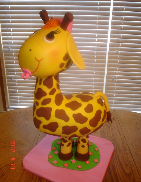 giraffe baby shower cake a photo on flickriver