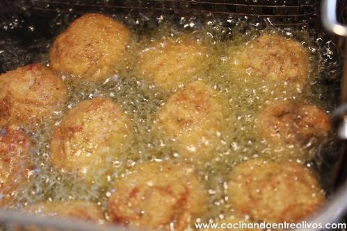 Chupachups crujientes de pavo y queso (18)