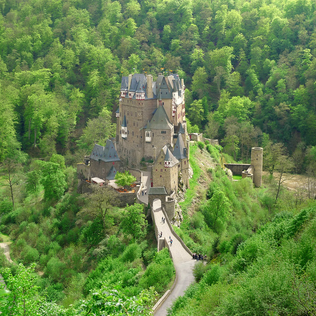 Classic view on Burg Eltz