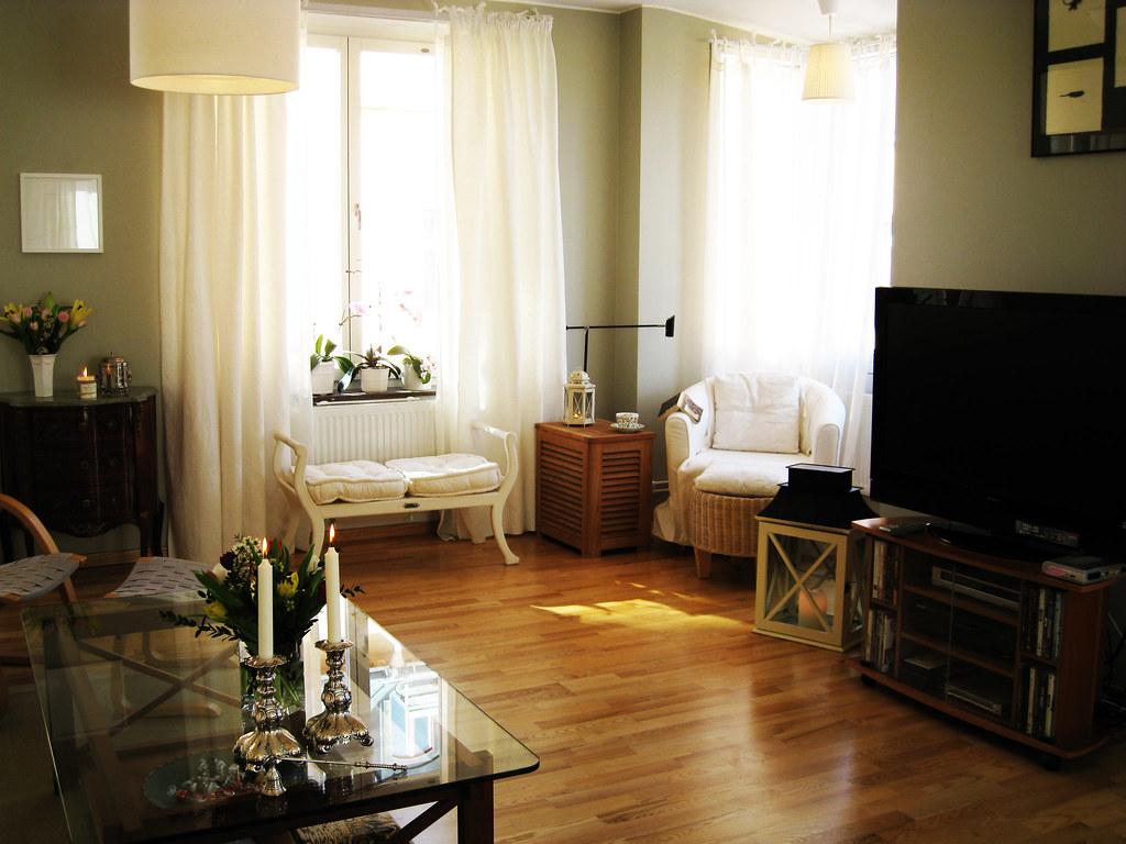 Home 2 - livingroom nook