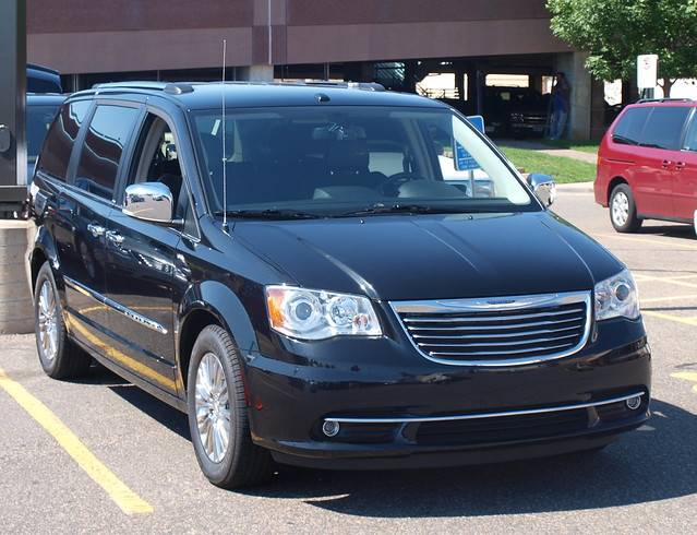 2012 Chrysler Town & Country 1