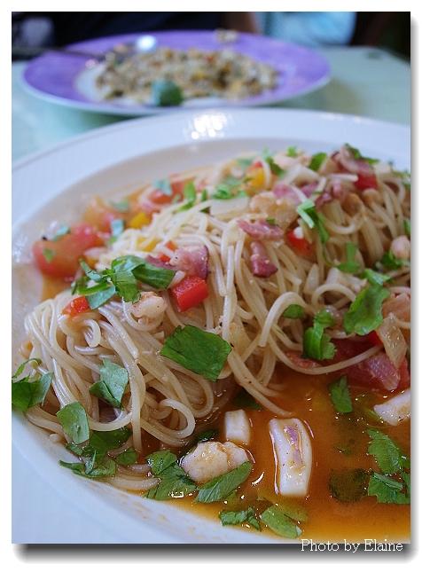 桑妮浩斯茄汁海鮮天使麵