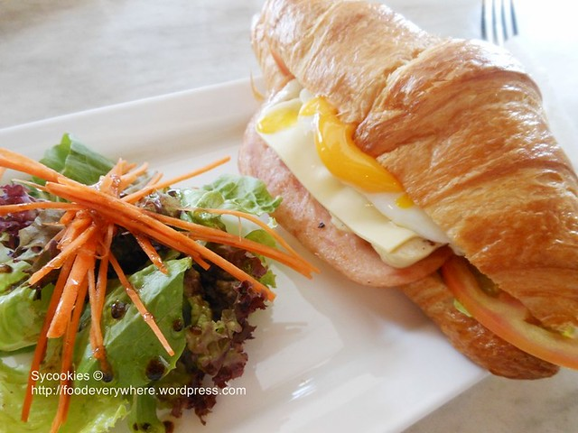3.all day breakie 13.90 turkey ham, chicken sausages, fried egg and sliced cheese with lettuce and tomato in croissant