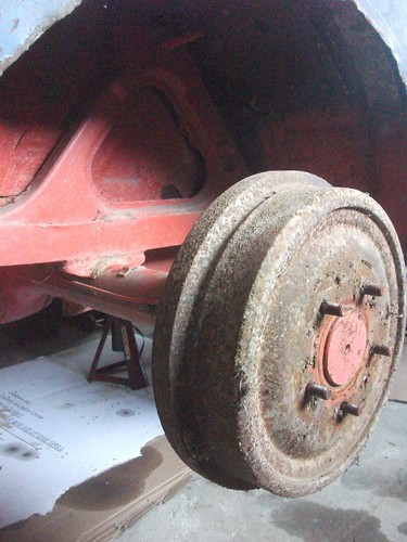 Rear drum brakes