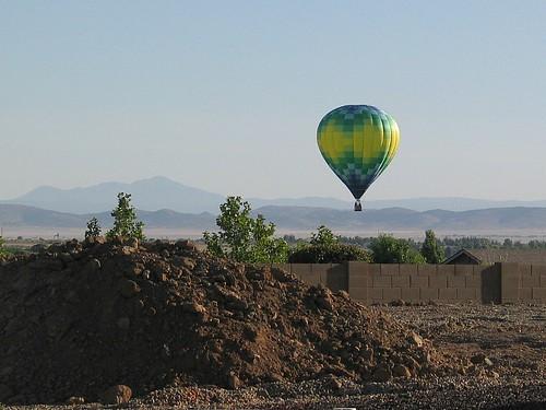 balloon dirt