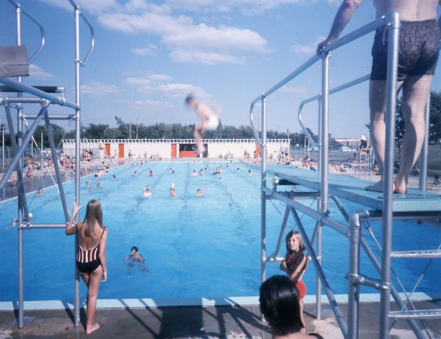 Piscine taillon ou piscine jarry 1966 flickr photo sharing for Piscine grand parc