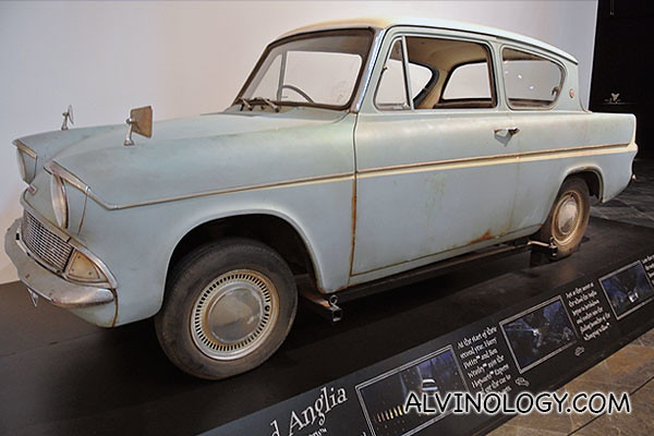 Flying Ford Anglia car from the movie