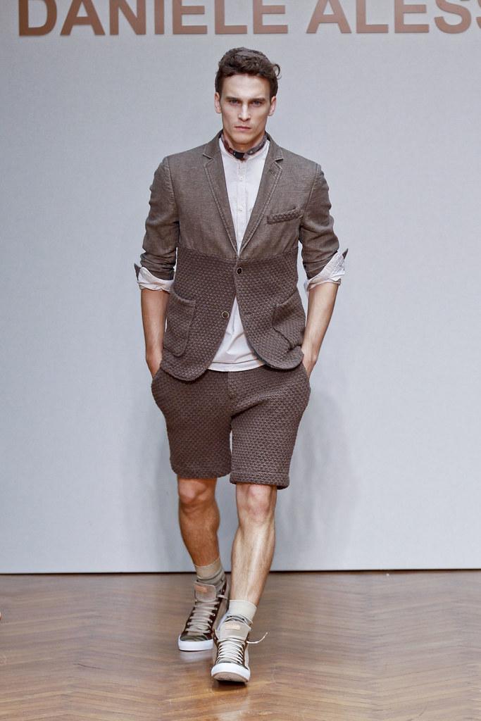 SS13 Milan Daniele Alessandrini030(fashionising.com)