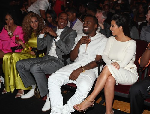 """Kanye West Performs """"New God Flow"""" Acapella at the BET"""