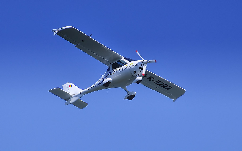 AeroNautic Show Surduc 2012 - Poze 7489919714_e43e687e4d_b