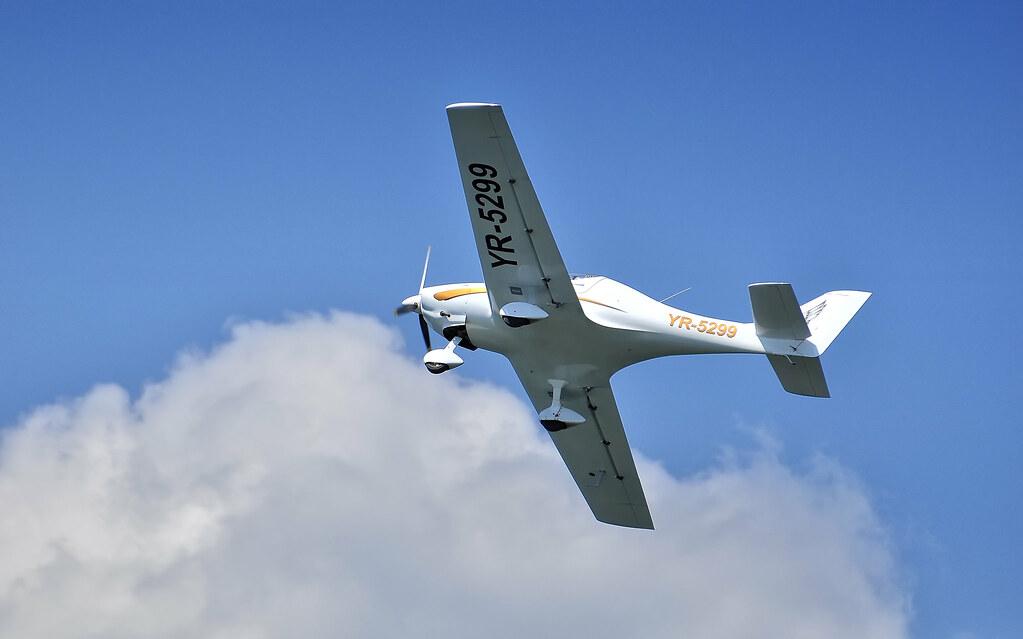 AeroNautic Show Surduc 2012 - Poze 7502222648_5ae2212e3e_b